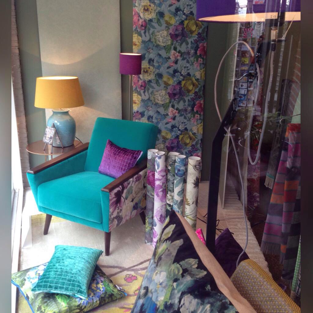 Etalage met stoffen designersguild foto emma biemans eb the store pinterest met - Eigentijds tuinmodel ...