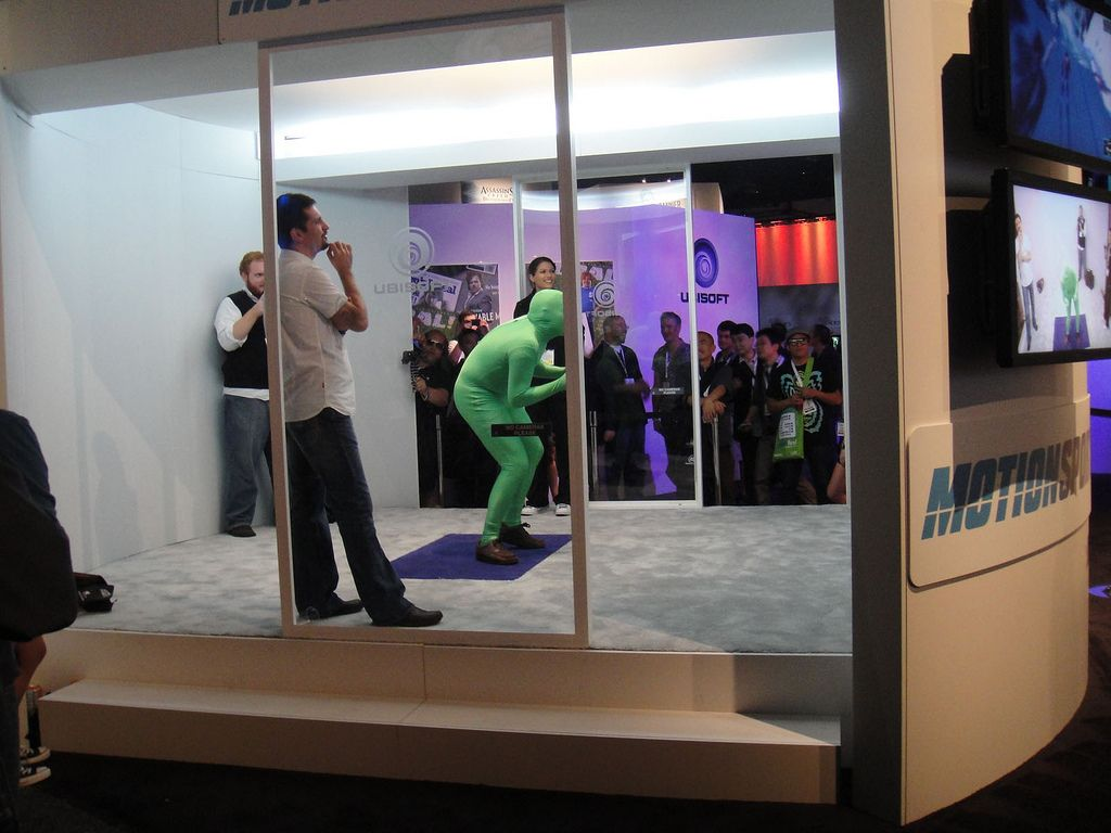 Green morph man tries Kinect Sports at E3 2010: http://www.flickr.com/photos/popculturegeek/