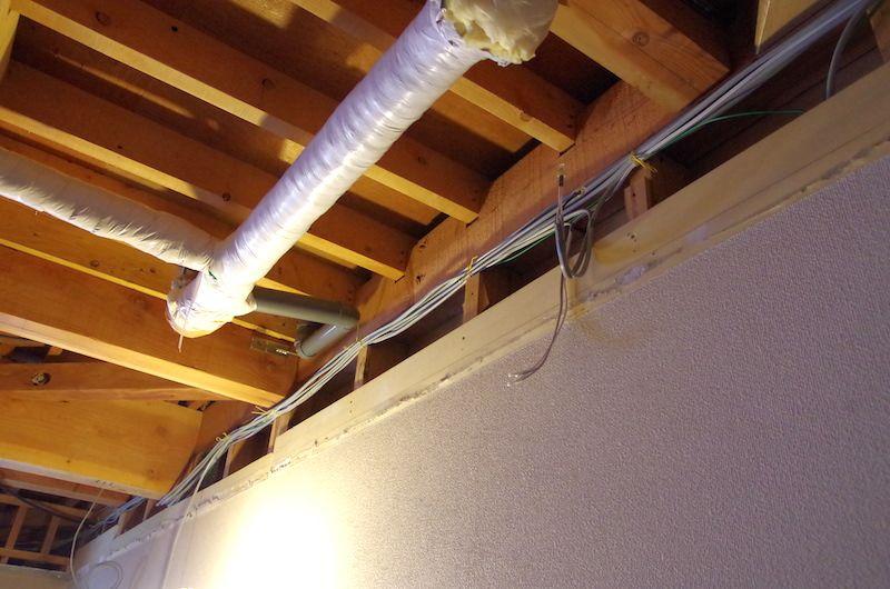 ふかし壁を作る 壁 配線を隠す 配管
