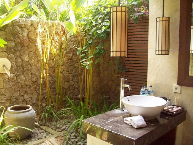 Amazing Outdoor Bathroom Shower Ideas You Can Try In Your Home Decor Around The World Outdoor Bathrooms Outdoor Bathroom Inspiration Outdoor Stone