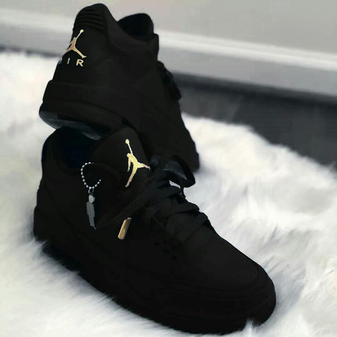 Air Jordan 4 Simpson Donuts | Sneaker boots, Shoes sneakers