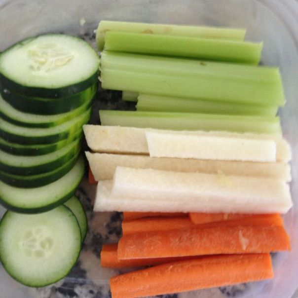 POPSUGAR #sugardetoxplan Plan ahead and be prepared have veggie snacks ready :)  21 day sugar detox #detoxdiet #sugardetoxplan
