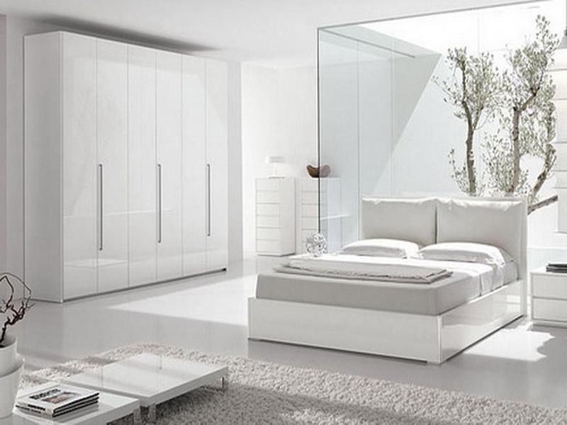 Lovely White Modern Bedroom Design.