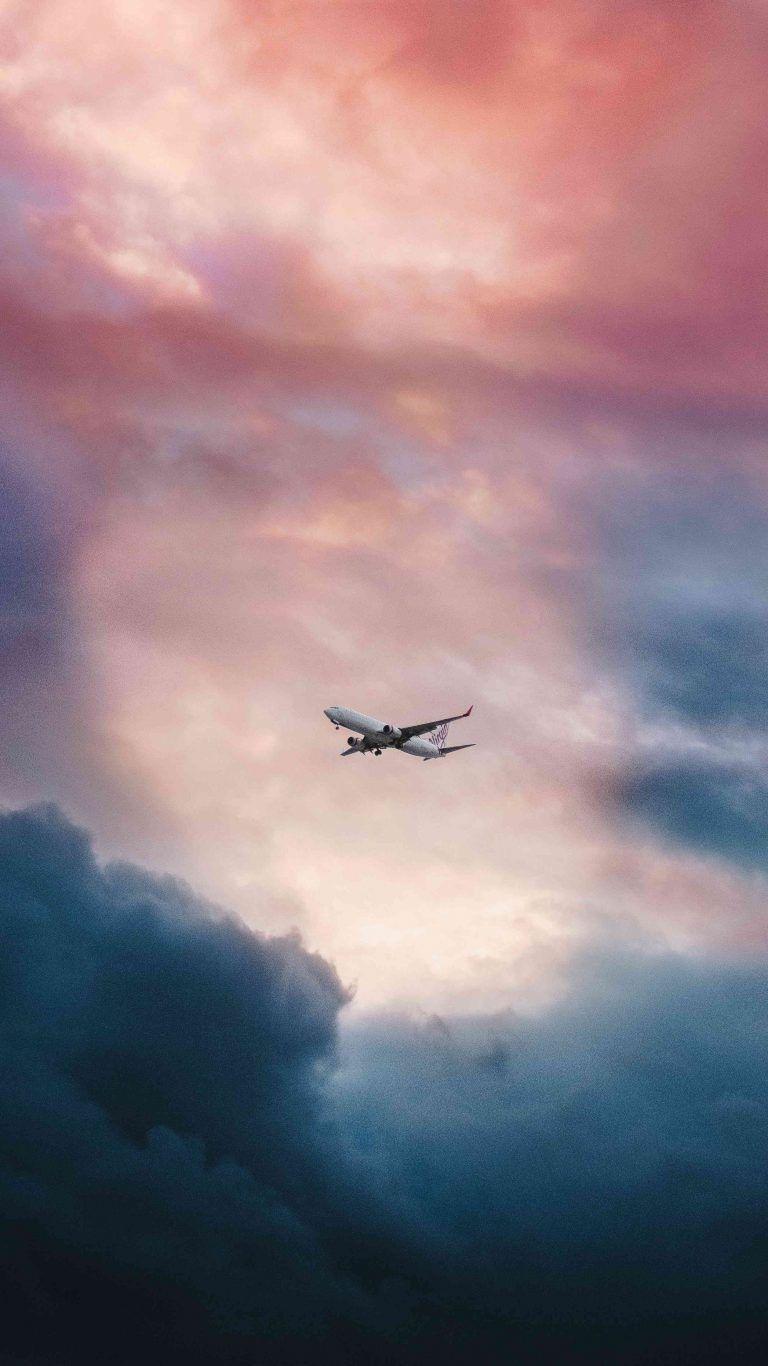 Plane In Sky Hd Iphone Wallpaper Live Wallpaper Iphone Iphone Wallpaper Sky Live Wallpapers