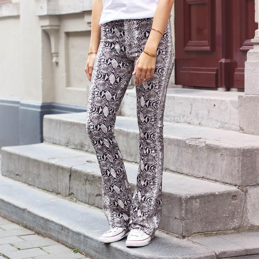 Flared pants snake | My Jewellery | Broeken, Kleding, Mode