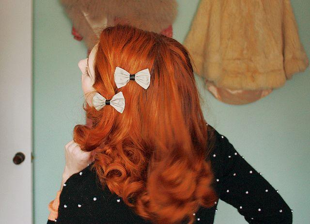 red hair / hair bows / accessory / vintage / curls