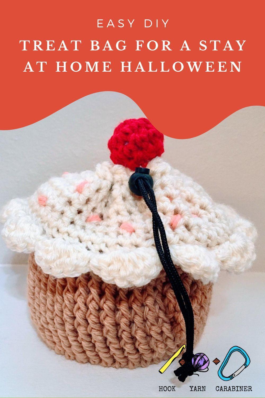 Cupcake Chalk Bag Pattern In 2020 Crochet Cupcake Free Crochet Pattern Chalk Bags