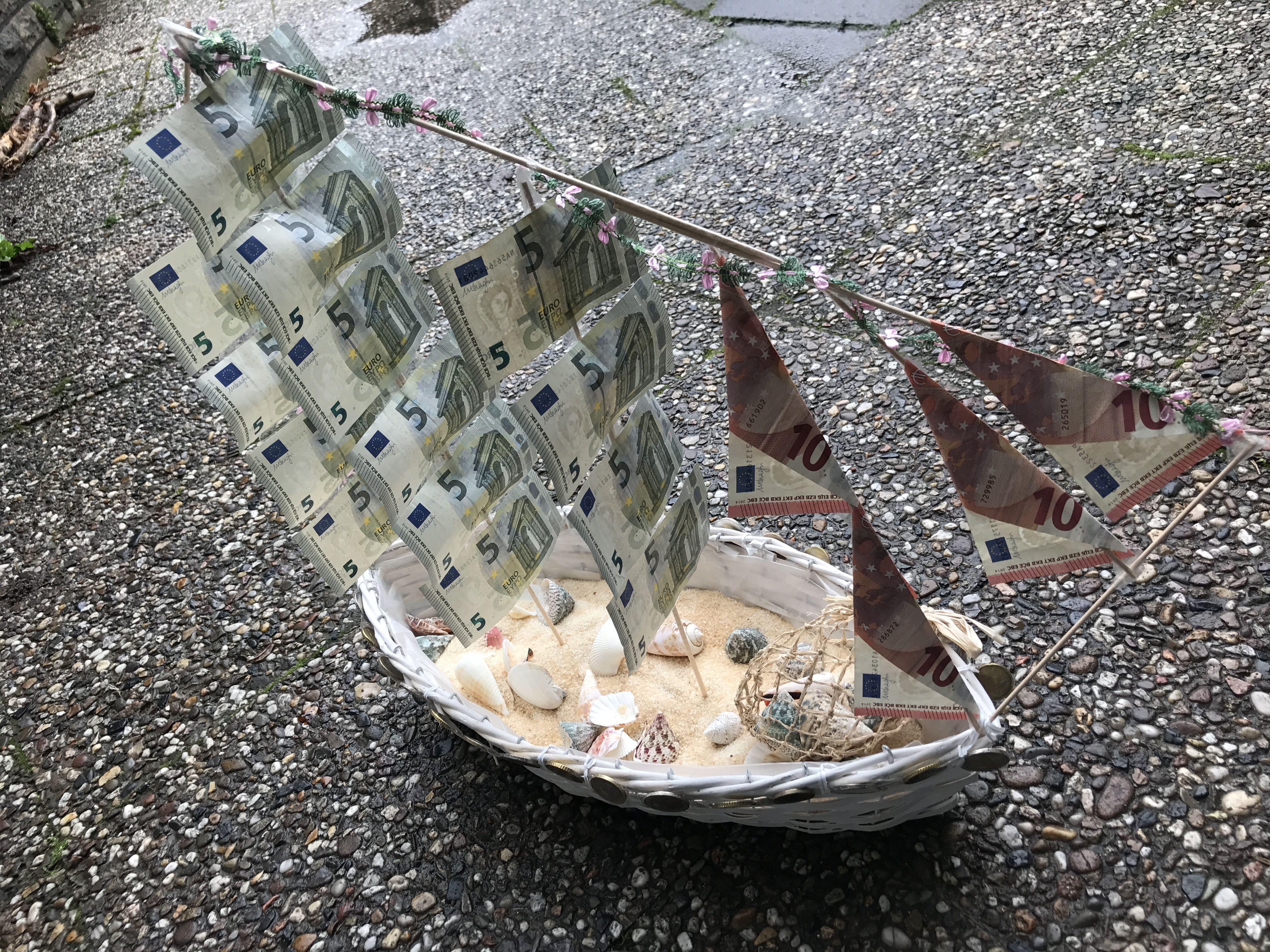 Hochzeitsgeschenk - zum Einfahren in den Hafen der Liebe   #geldgeschenk #scheine #schiff #kreativehandwerke