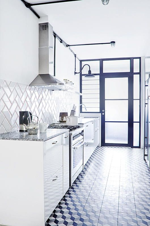 Singapore Hdb 3 Room Interior Design: House Tour: A Bright And White Three-room HDB Flat