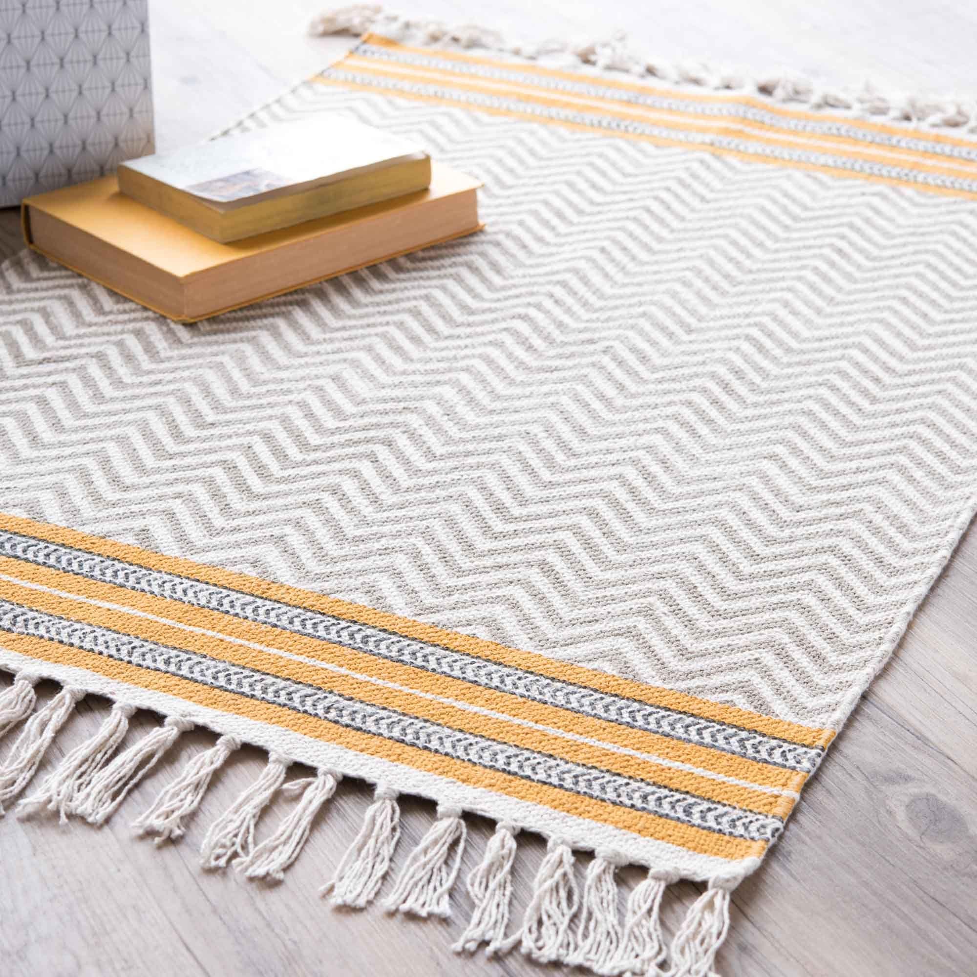 Tapis En Coton Gris Jaune 60 X 90 Cm Miranda Maisons Du Monde Tapis Coton Tapis Detachant Pour Tapis