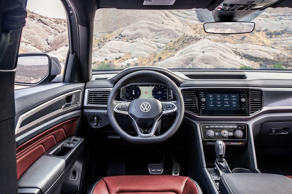 See Photos of the 2020 Volkswagen Atlas Cross Sport