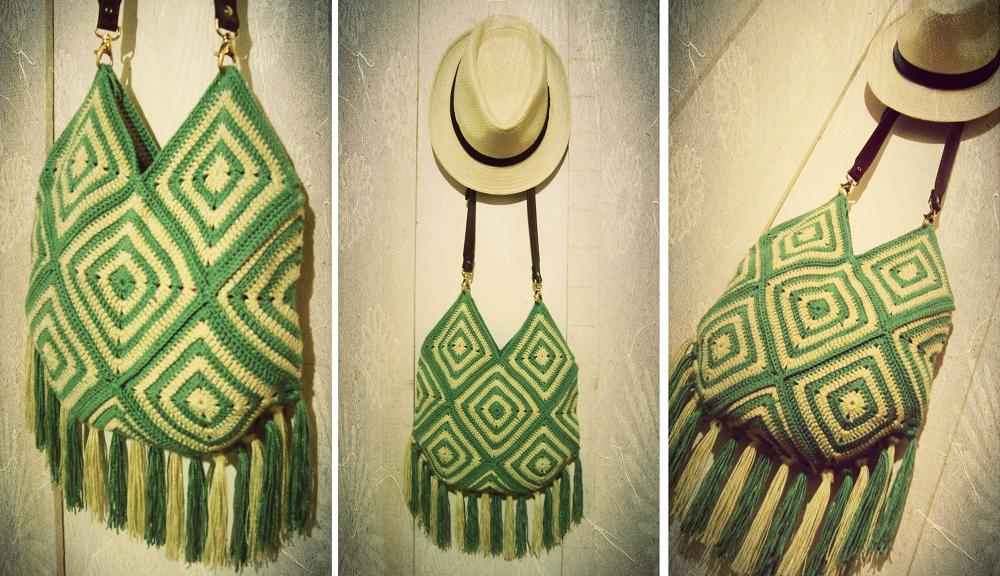 d21472eab5 Aprendiz de Crocheteiras  Bolsa Hippie de Quadradinhos de Crochê ...