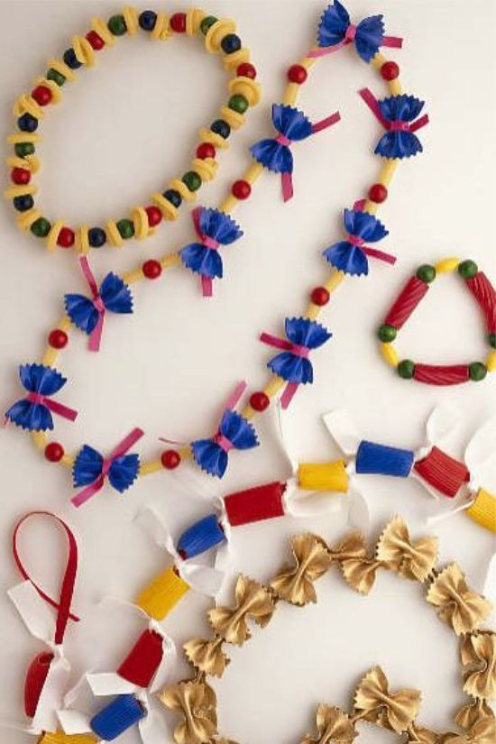 Поделки из макарон: 100 фото и 15 идей декора для детей и ...