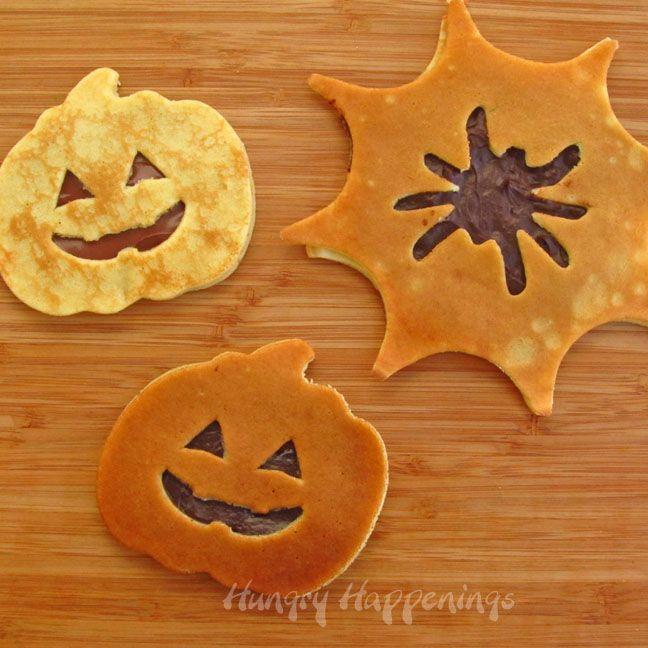 Halloween Breakfast - Jack-O-Lantern and Spider Web Pancakes | Hungry Happenings #halloweenbreakfastforkids