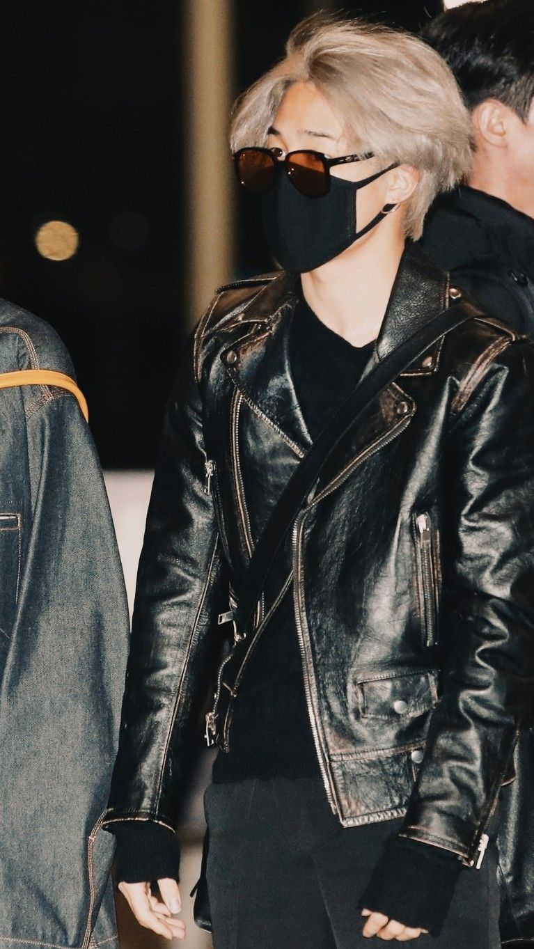 Pin By On Rayak ʝimii Jimin Airport Fashion Leather Jacket Fashion [ 1363 x 767 Pixel ]
