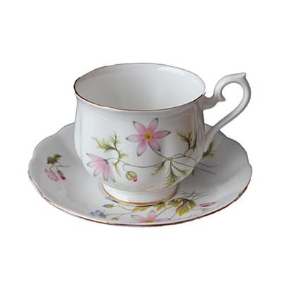 High Tea Standaard : Combi Box Bone China Spring -  servies verhuur - White Anemone - Happy Moments