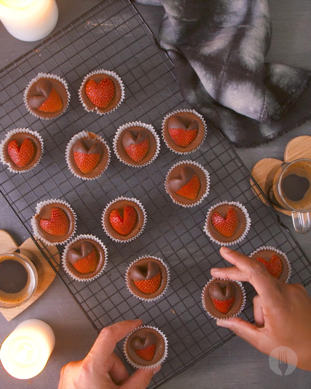 Strawberry Heart Chocolate Cheesecake Bites