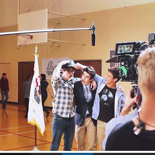IM SO EXCITED FOR THE OUTFIELD MOVIE LIKE OMG