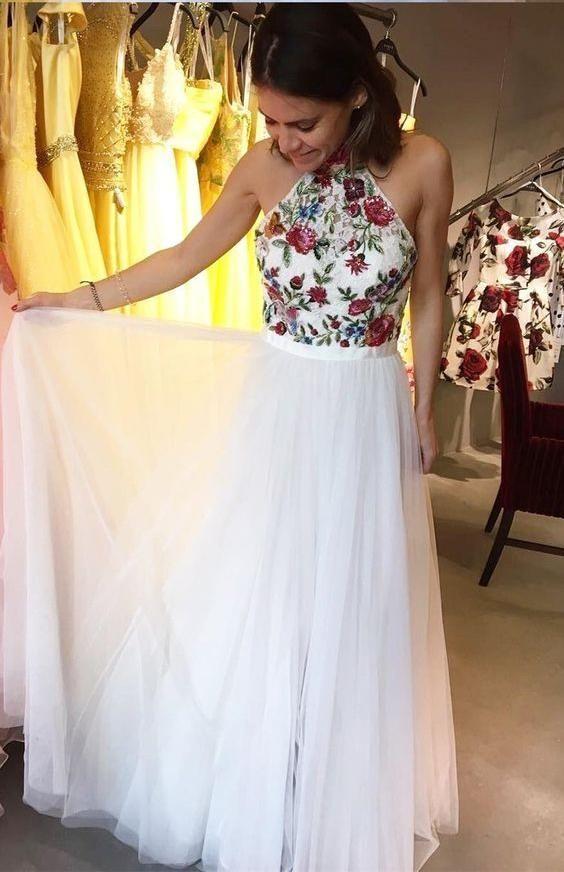 Charming Appliques Tüll A Line Prom Kleider mit Stickerei, Neckholder Homecoming Kleider