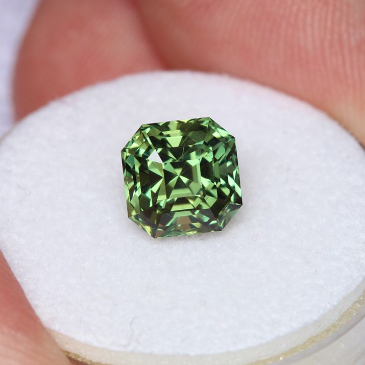 genuine ethically usa cut emerald precision sapphire in green shape light montana listing il ct the mined qrca