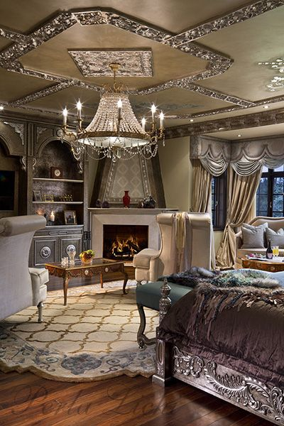 Perla Lichi, her lighting and ceilings are always luxurious
