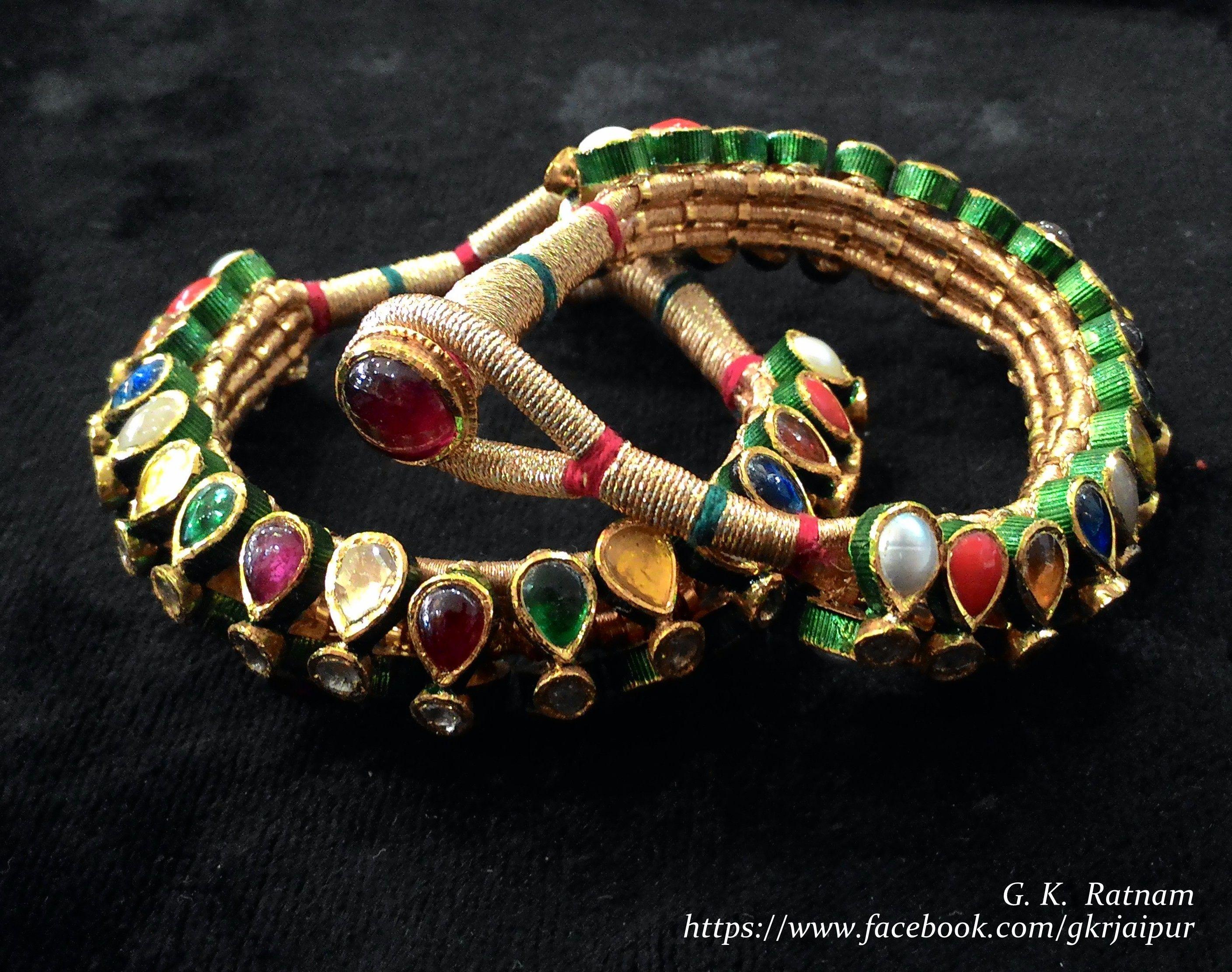 I Bridal Mehndi Jewellery : Navratan pochi to adorn your bridal mehndi filled hand bangles
