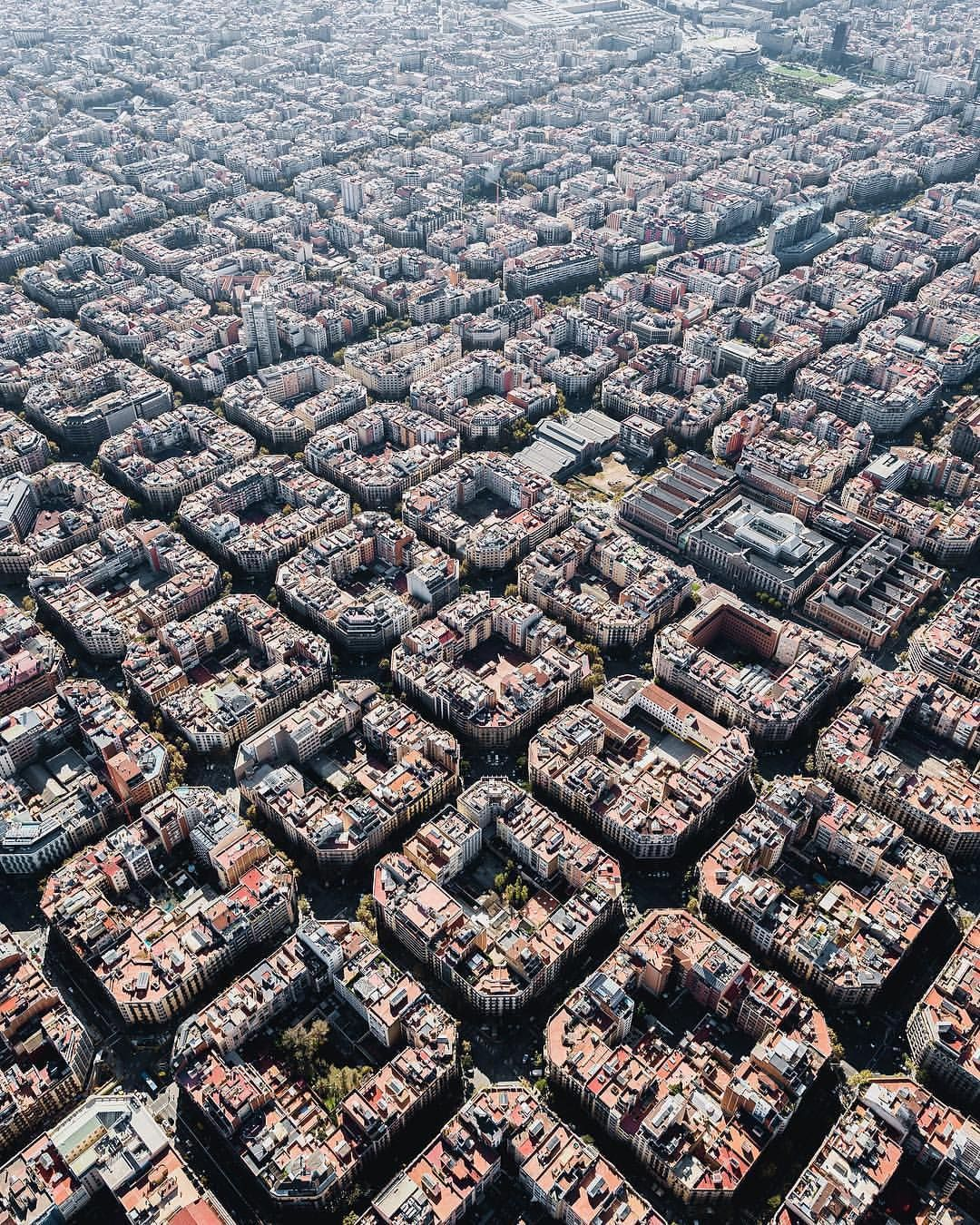 Pin by tony santos on urbanism pinterest barcelona barcelona spain and spain for Living room city center barcelona