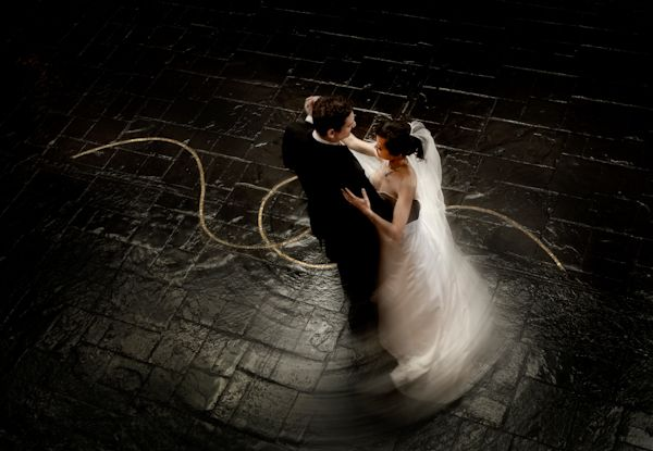 Distinctive Modern Wedding Photo By Top Houston Photographer Nhan Photography
