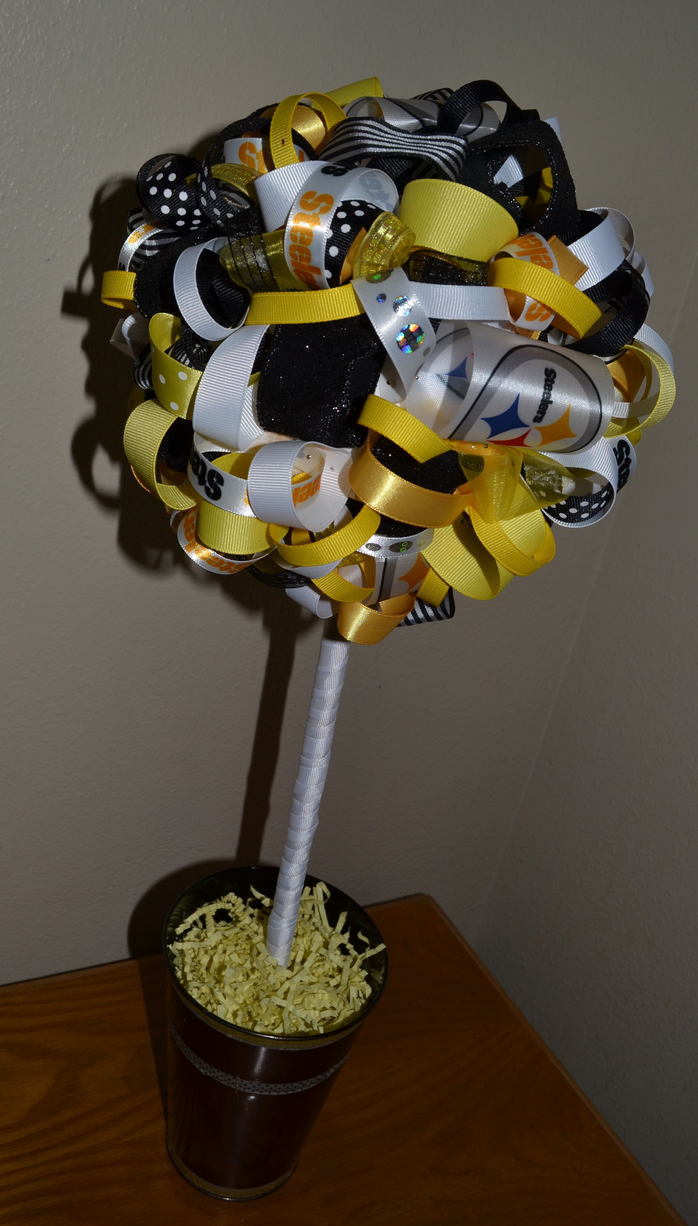 This Pittsburgh Steelers topiary can be made with any