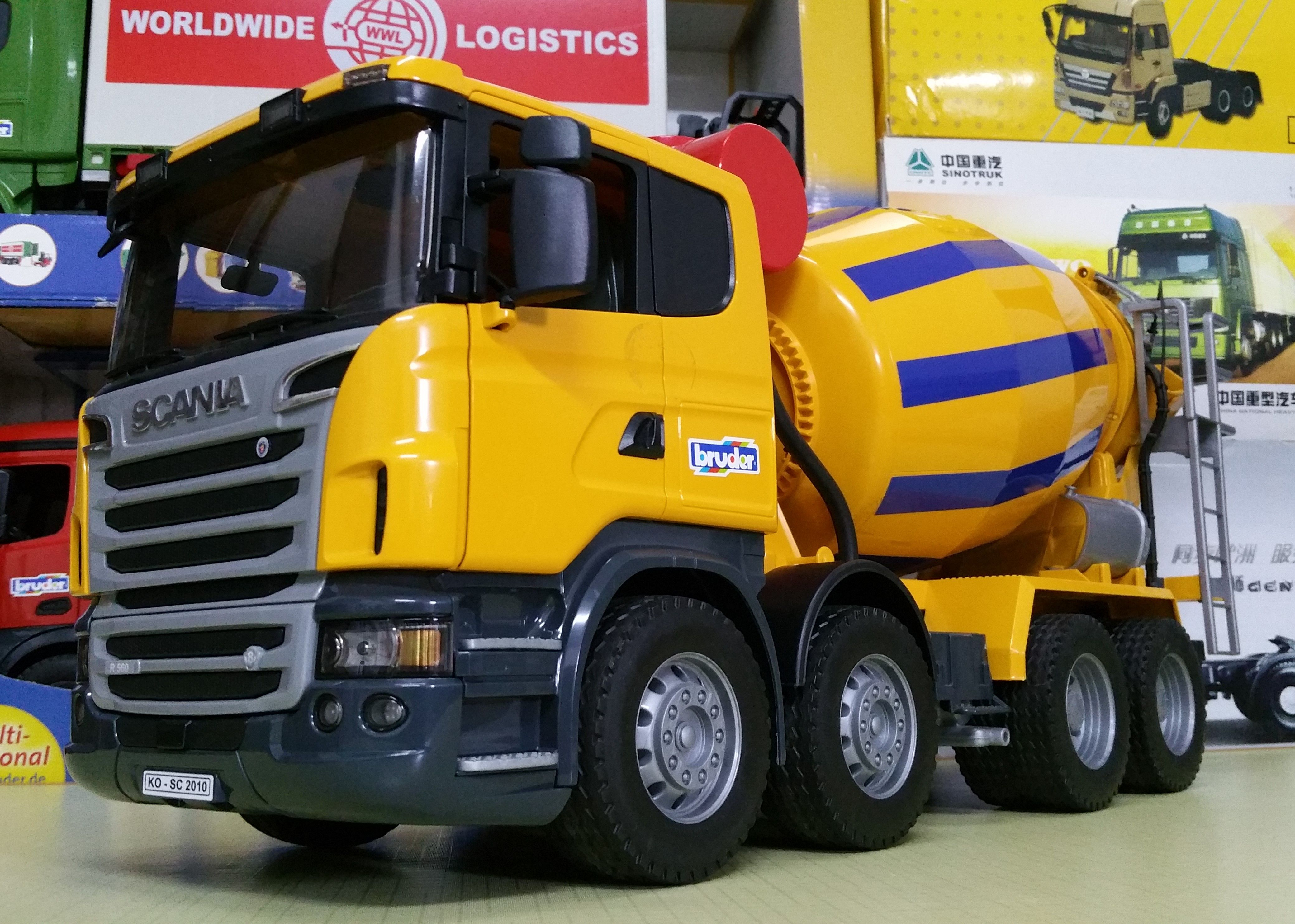 Bruder Scania R Series Cement Mixer Truck In 2020 Cement Mixer Truck Mixer Truck Trucks