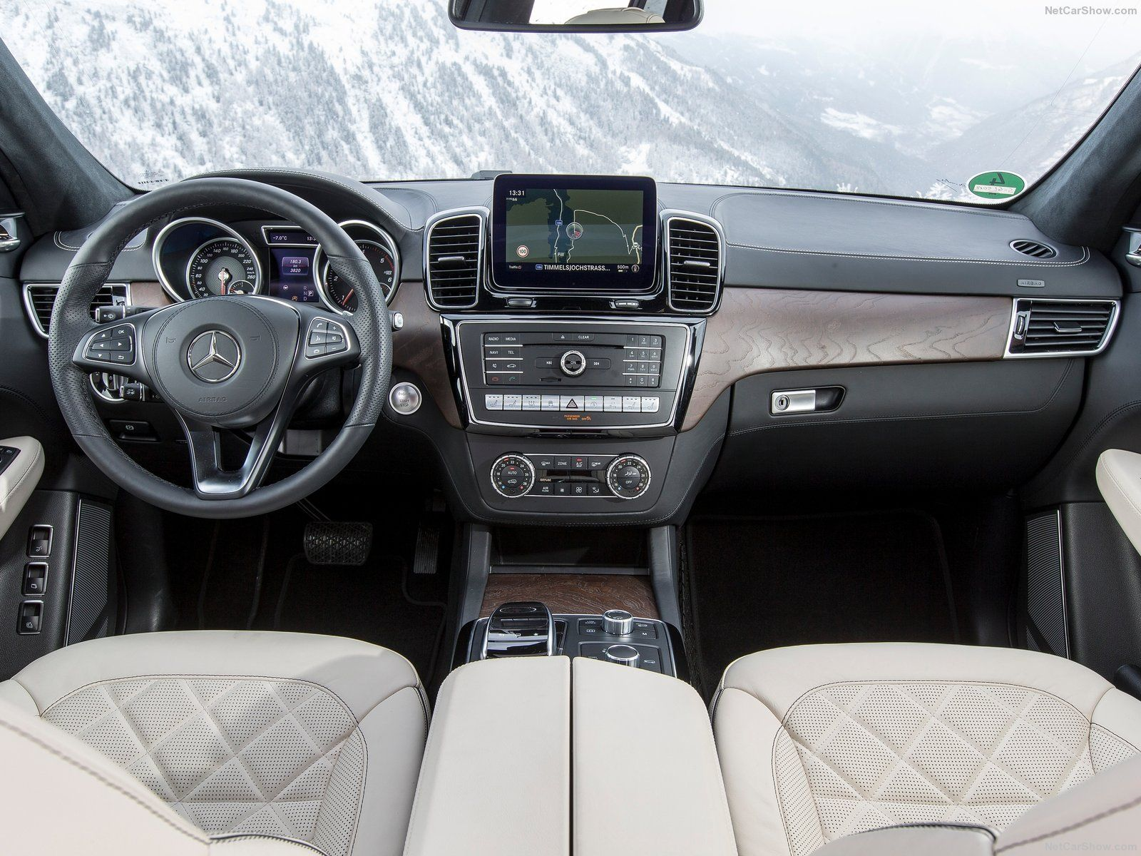 Gls Class Interior With Images Mercedes Benz Mercedes