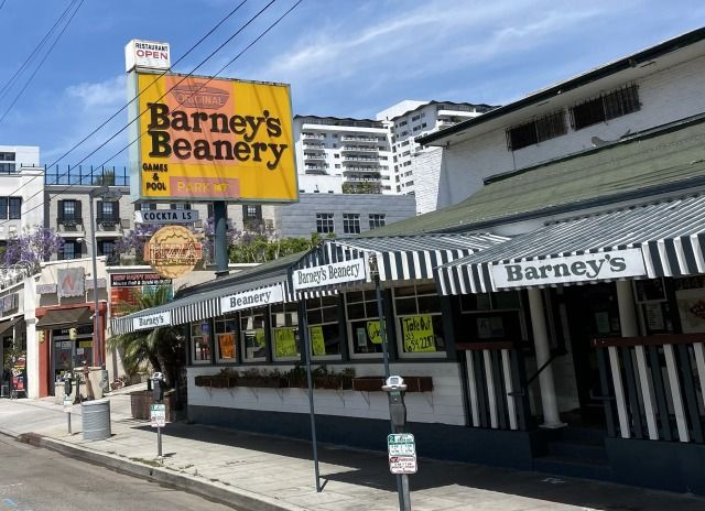 A one time favorite of Jim Morrison from The Doors, and Janis Joplin, Barney's Beanery in West Hollywood is offering take out during the shut down. #GlitteratiToursLA
