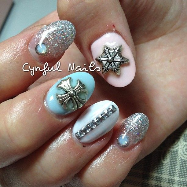 cynfulnails | Sweet pastel chrome hearts design on gel sculptured ...