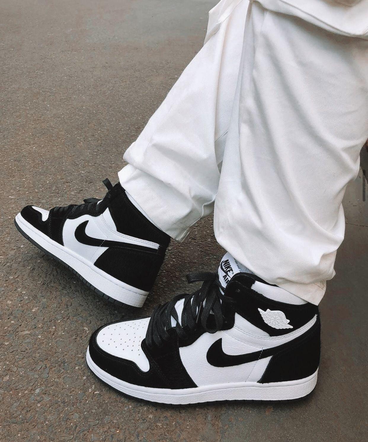 Air Jordan 1 Retro High OG Panda Twist | Chaussures noir et blanc ...