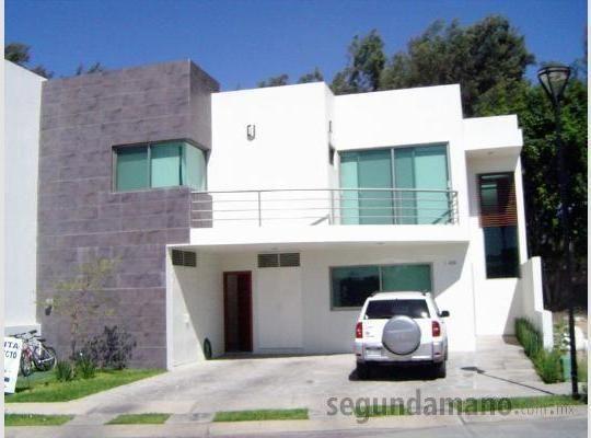 Fachada minimalista con peque a terraza casas pinterest for Casas con balcon y terraza