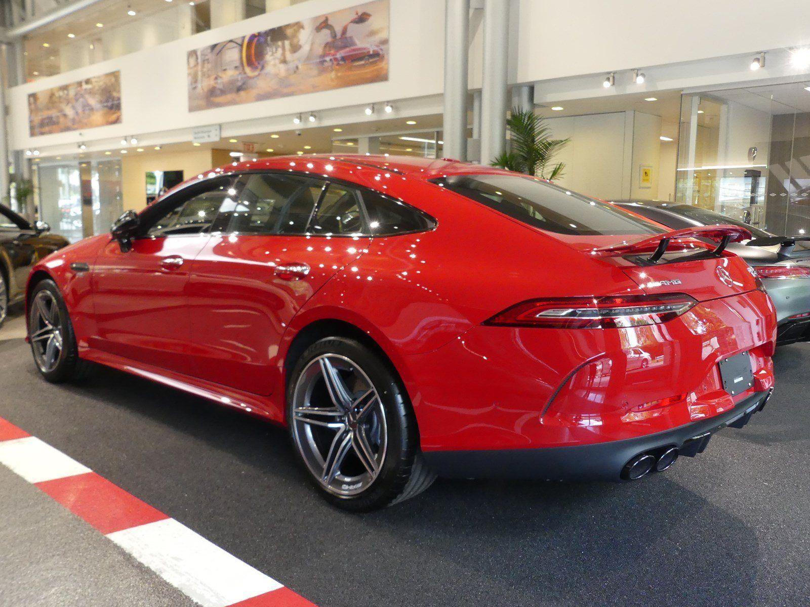 2021 Jaguar XQs Model