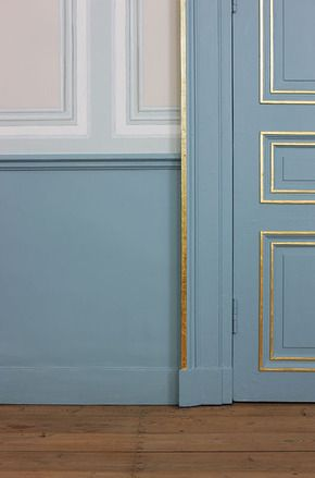 panelled walls, panelled room, mill work, old interior, decorative walls. Angèle Boddaert