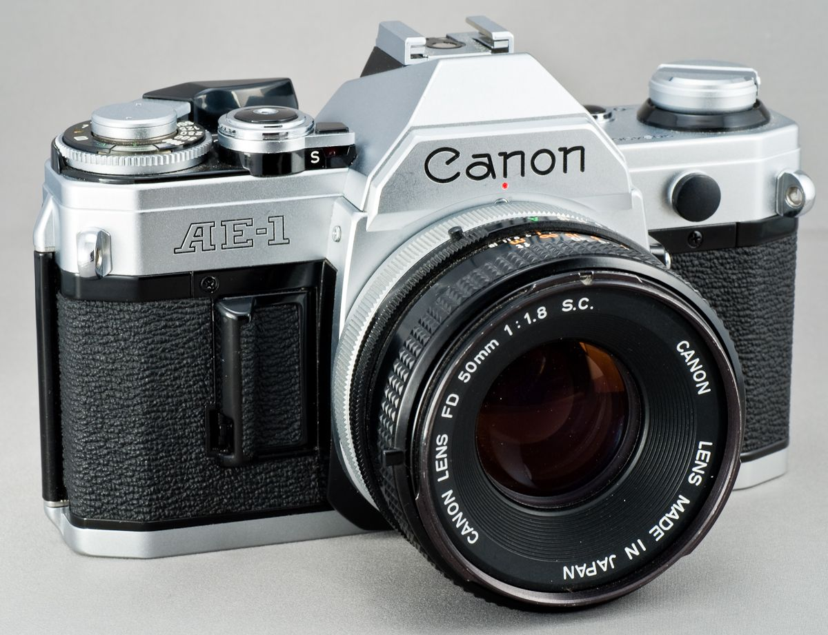 Ahhh The Canon Ae 1 Snagged One Of These Off Ebay In Excellent Condition With A Vintage Leather Ca Best Film Cameras Best Camera For Photography Cannon Camera