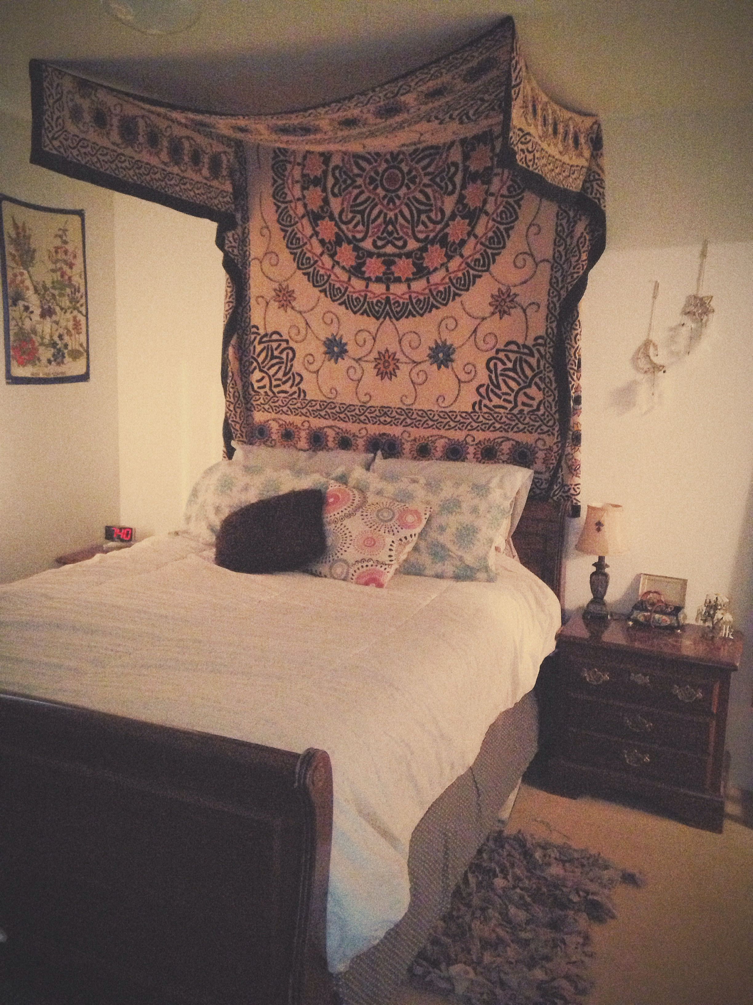 Decided To Hang Up My Favorite Tapestry And It Turned Out Super Cool We Love Over Bed