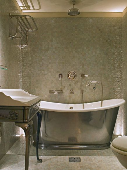 uh. yea, baby. This is the BEST looking bath I\'ve EVER seen, as far ...