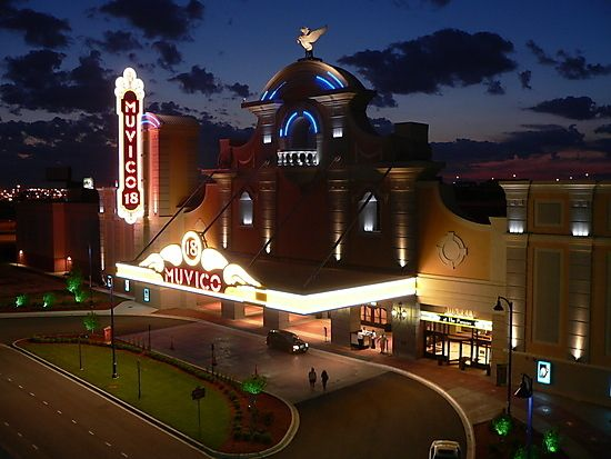 Muvico Rosemont 18 Movie Theater In Rosemont Il Movie Theater 18 Movies Full Movies Online