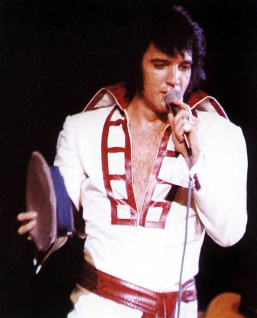 The '' Red Ladder '' jumpsuit was also worn on a few occasions in August 1970. The August 13, 1970 dinner show was filmed by MGM and some songs were included first in the '' Lost Performances '' videos and later in '' That's The Way It Is - Special Edition ''
