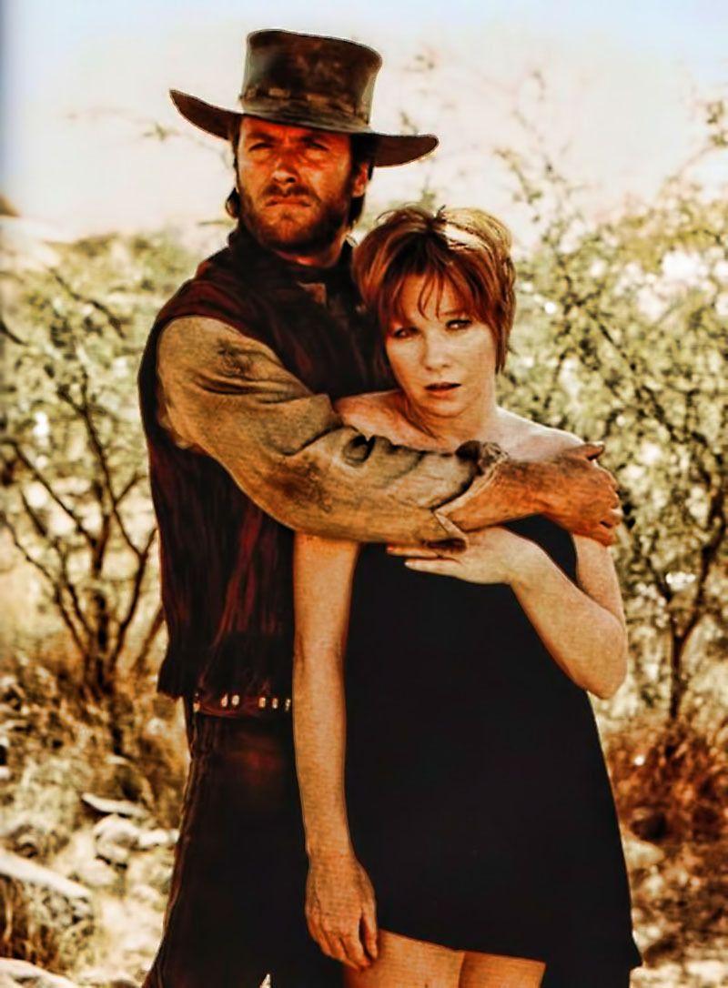 Clint Eastwood Y Shirley Maclaine En Dos Mulas Y Una Mujer Two Mules For Sister Sara 1970 Afiche De Cine Cine Del Oeste Fotos De Cine