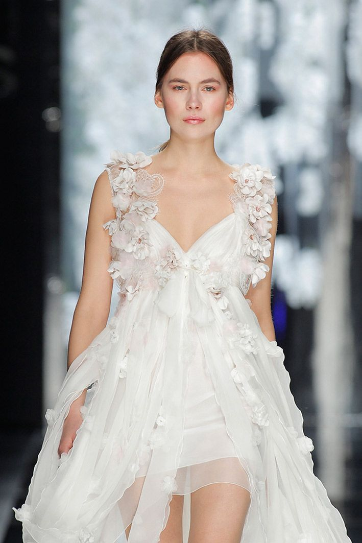 22 Most Unique Ideas about Nontraditional Wedding Dress | Printed ...