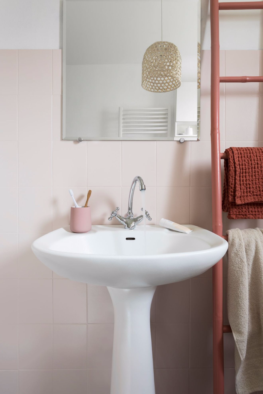 Peinture WC : idées couleurs pour les toilettes | Peinture wc, Toilettes et Décoration maison