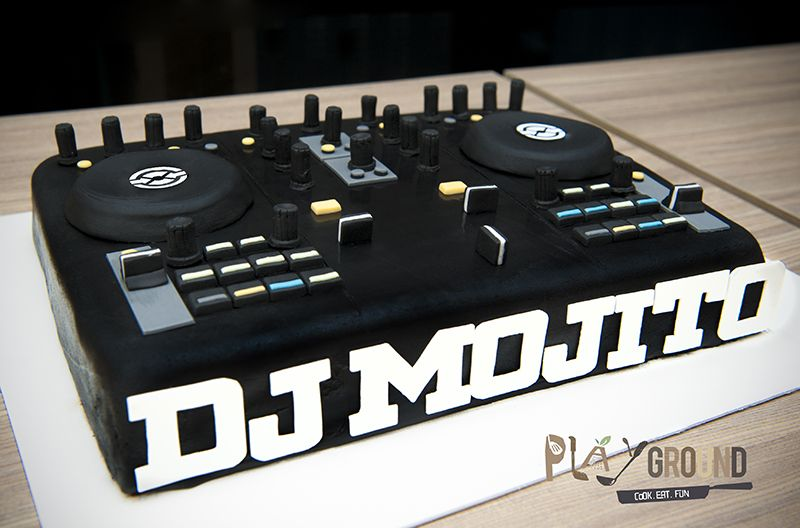 Brilliant Dj Turntable Cake With Images Dj Cake Music Cakes Birthday Birthday Cards Printable Trancafe Filternl