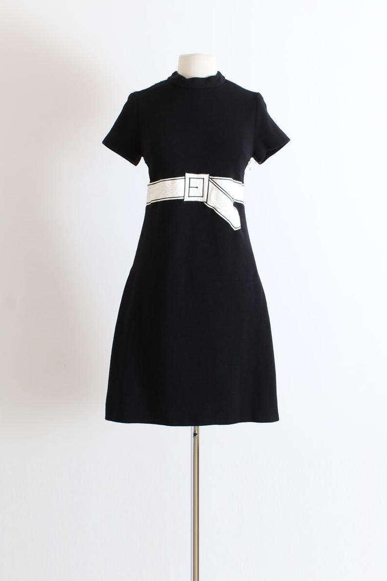 Vintage 1960s 60s Dress Black White Belted Applique Mod Etsy 60s Dress Dresses Mod Dress [ 1191 x 794 Pixel ]