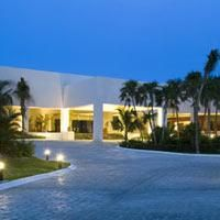 For exciting #last #minute #hotel deals on your stay at OASIS TULUM, Riviera Maya, Mexico, visit www.TBeds.com now.