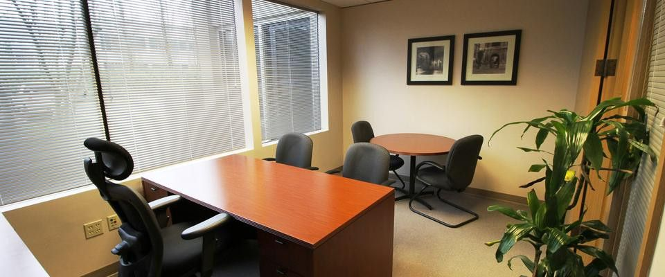 Premium Day Office Meadow Creek Business Center Executive Suite Venue For Rent In Issaquah Wa Sharemyspace Executive Suites Business Centre Suite