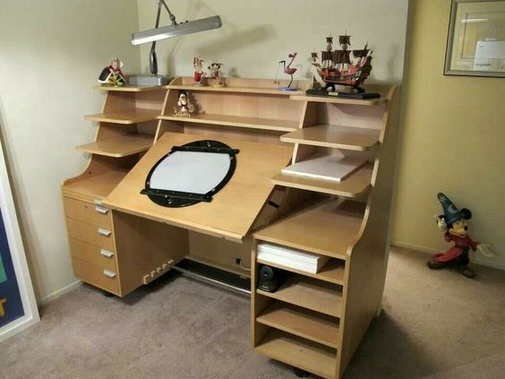 Walt Disney Studios Animation Desk With Adj Light Table And Disk Studio Setupstudio Ideasart
